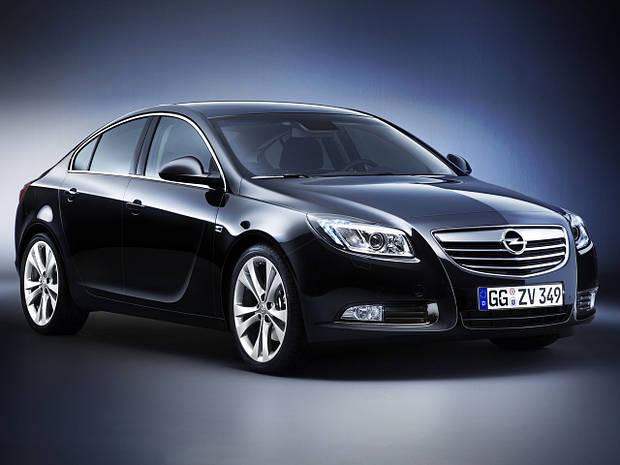 Лобовое стекло Opel Insignia с местом под датчик (2008-)