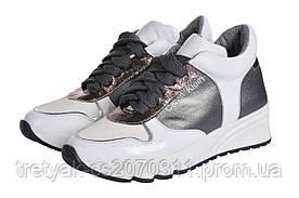 Женские кроссовки СК на высокой подшве белого цвета