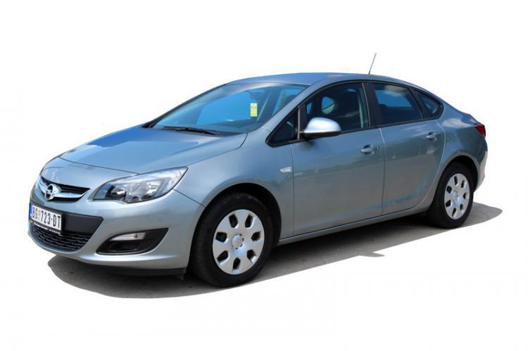 Лобовое стекло Opel Astra J (седан, универсал, хетчбек) (2009-)