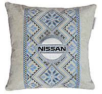 Подарок автомобилисту-Подушка с вышивкой логотипа ниссан Nissan