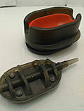КАРПОВАЯ КОРМУШКА Метод Flat 70 грамм + пластиковая пресовалка с кнопкой., фото 2