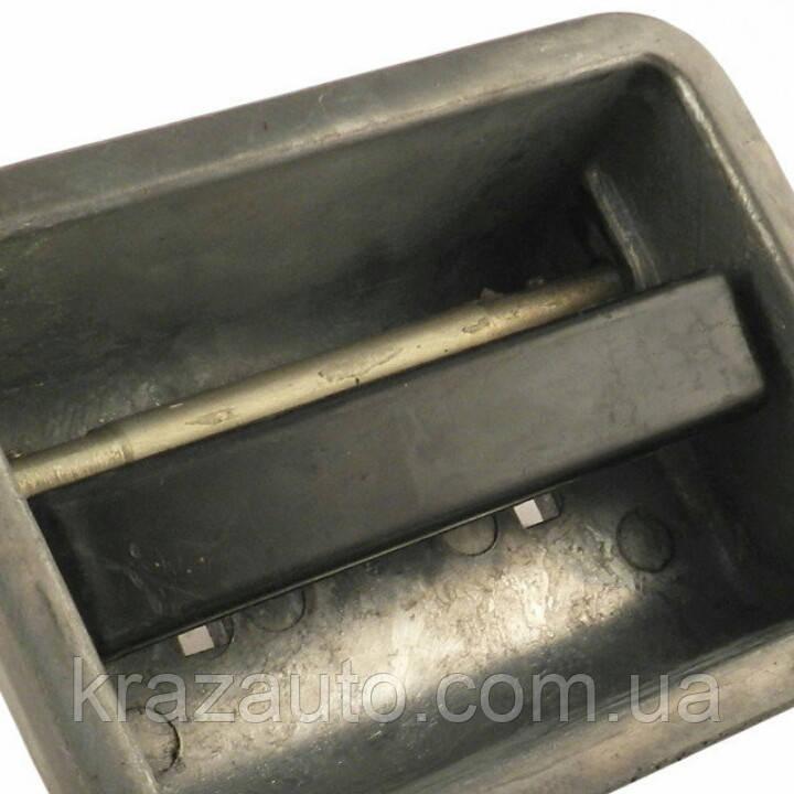 Ручка двери правая КрАЗ (нов. обр.) 6510-6105152-30