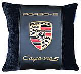 Подушка декоративная в автомобиль с вышивкой логотипа Порше, фото 4