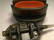 КОРОПОВА ГОДІВНИЦЯ МЕТОД Флет 90 грам+ пластикова пресовалка з кнопкою