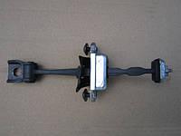 Ограничитель открывания двери левой передней 1Z0837249D Skoda Octavia II , фото 1