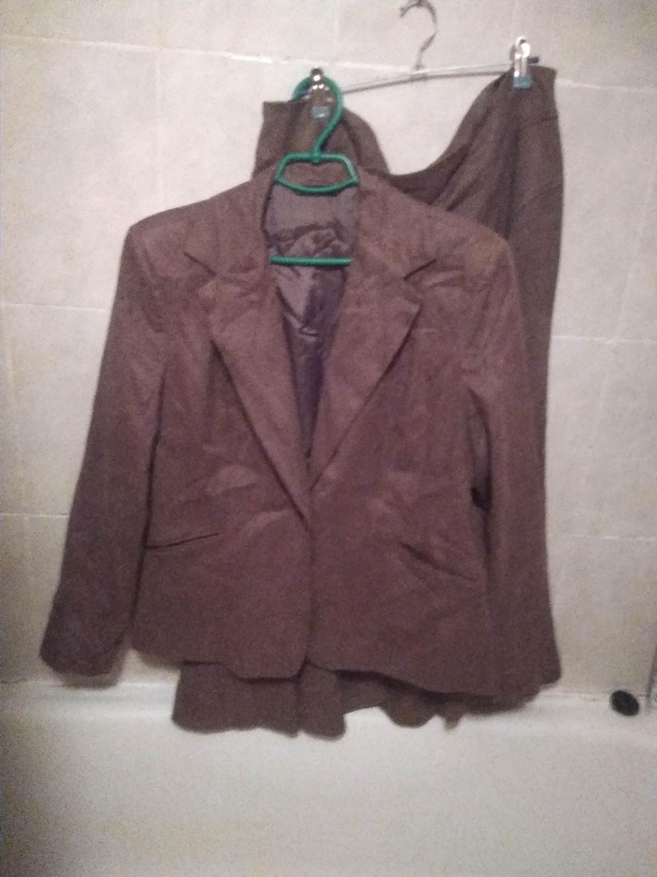 Костюм женский двойка кофейный пиджак юбка 18-20 52-54 XL
