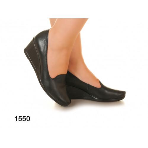 Туфли на танкетке из натуральной кожи, без застежки. Размеры 36-41, два  цвета модель S1550 f596361348c