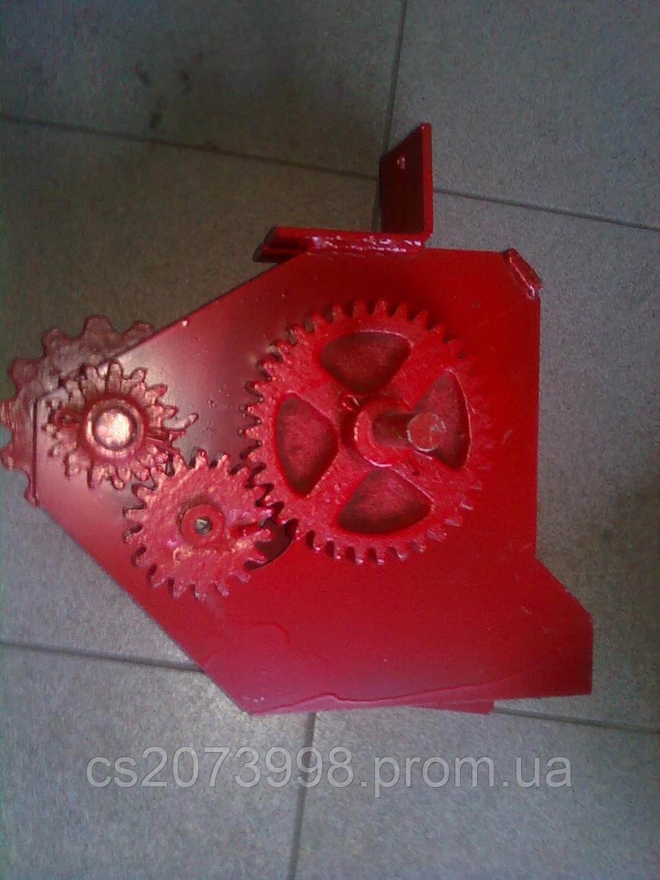 Редуктор туковый, механизм передач, привязка  сеялки СУПН 8-01 (ССГ 00.1660-01-5Т)