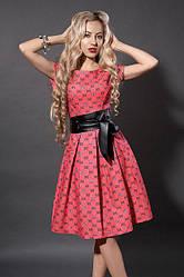 Молодежное летнее платье из стрейч коттона с кожаным поясом, р.44,46 коралл (249)