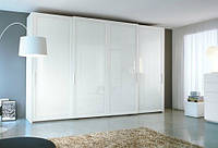 Шкафы с итальянскими системами в деревянном оплете