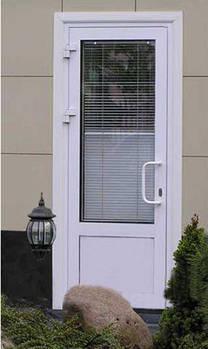 Входная металлопластиковая дверь наружного открывания (одностворчатая). Праимпласт (бюджетный вариант).