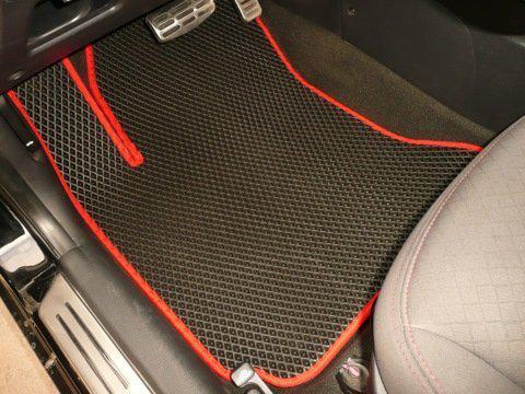Коврики на Nissan Leaf