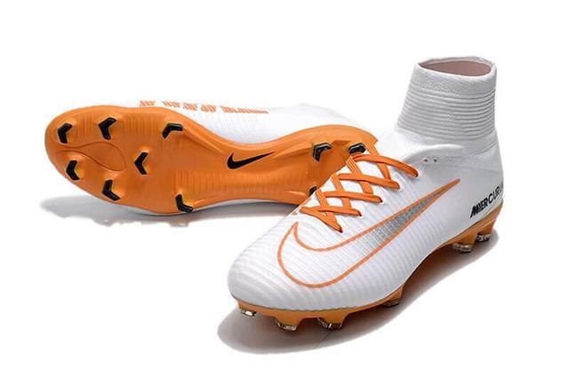 Футбольные бутсы с носком Nike Mercurial Superfly V FG белого цвета фото