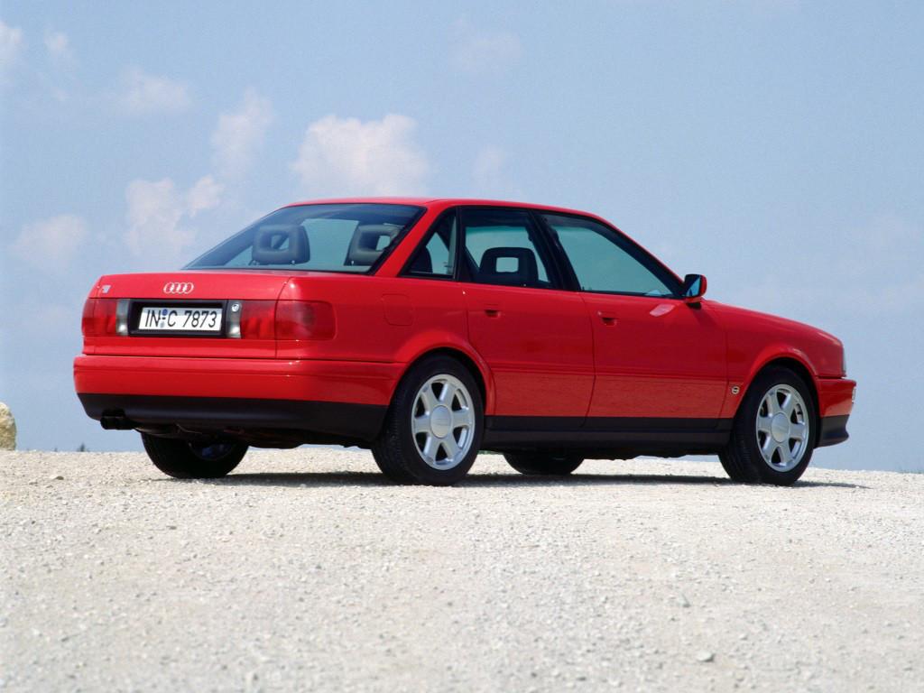 Заднее стекло (ляда) на Audi 80/90 (1992-1994), седан, с антенной для радио