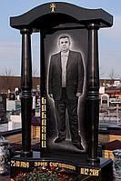 Памятник из черного гранита с колоннами № 12