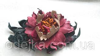 Шпилька квітка з натуральної шкіри ручної роботи
