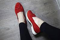 Красные замшевые туфли-лоферы Италия