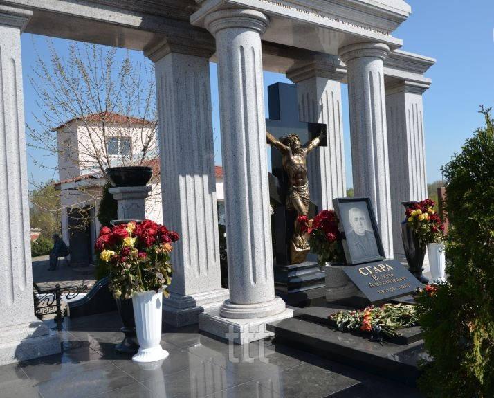 VIP памятник с колоннами  № 13
