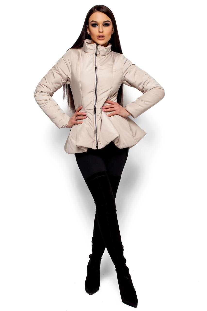 Короткая весенняя куртка с баской Karree бежевая