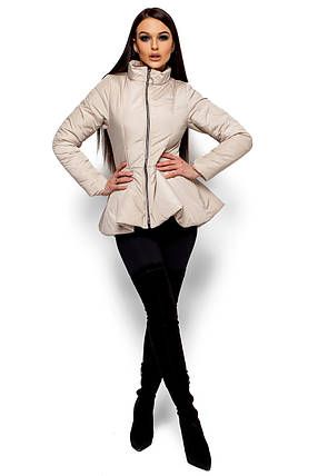 Короткая весенняя куртка с баской Karree бежевая, фото 2
