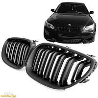 Решетка радиатора ноздри BMW E60 стиль M5 (черный мат)