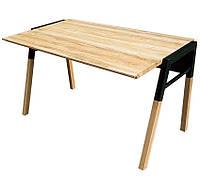 Стол из натурального дерева с металлическим каркасом