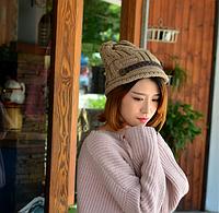 Удобная теплая вязаная шапка бежевая