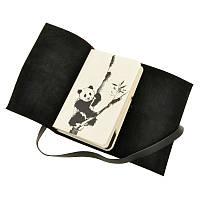 Блокнот с Кожаной обложкой Панда: черно-белые зарисовки