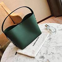 Маленькая великолепная женская сумка