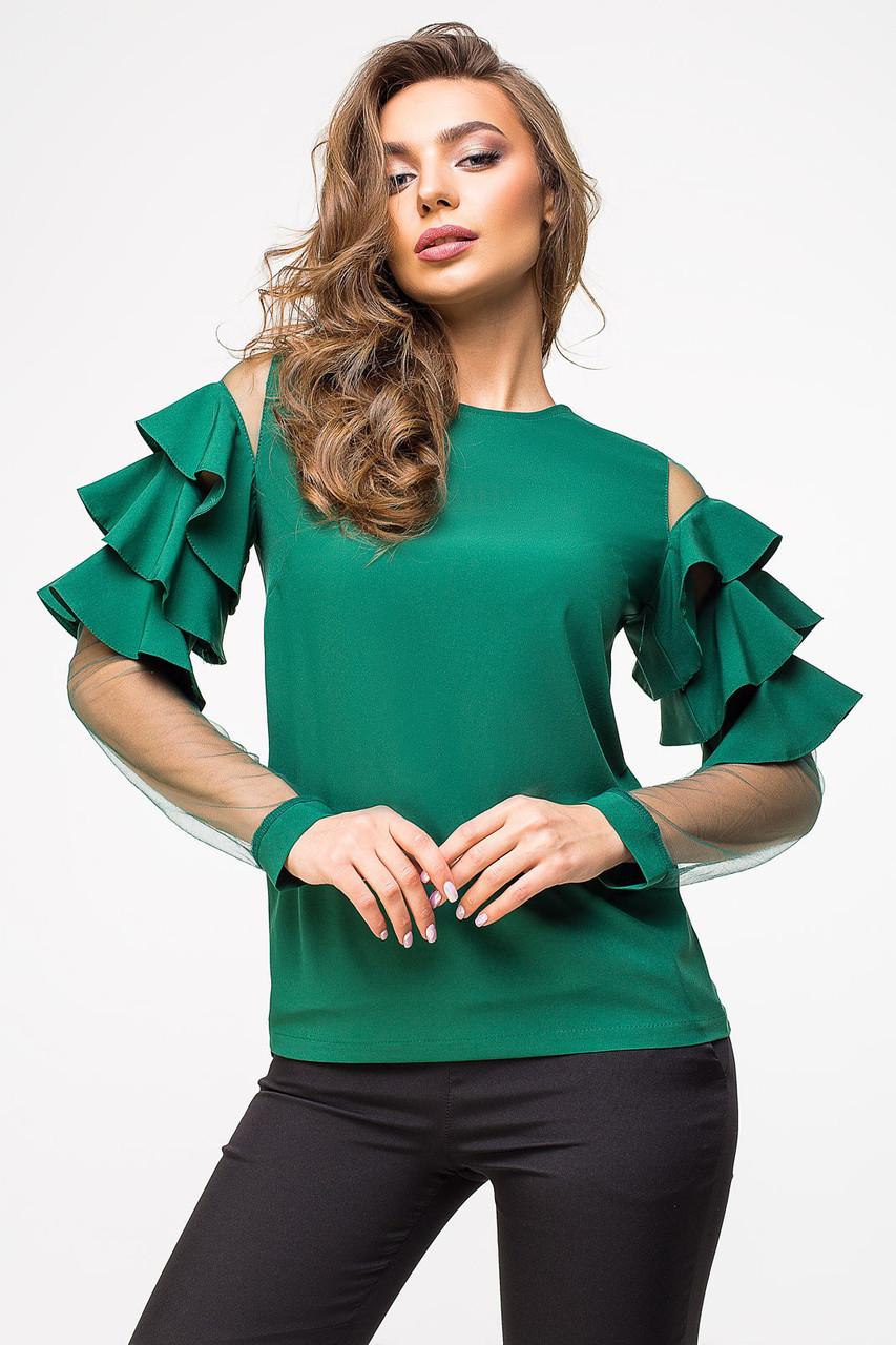 Красивая женская блуза с воланами на рукавах