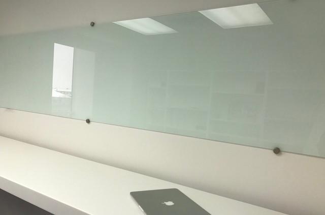 Белые стеклянные магнитные маркерные доски
