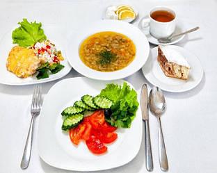 Отдых и питание в обед важно для каждого человека