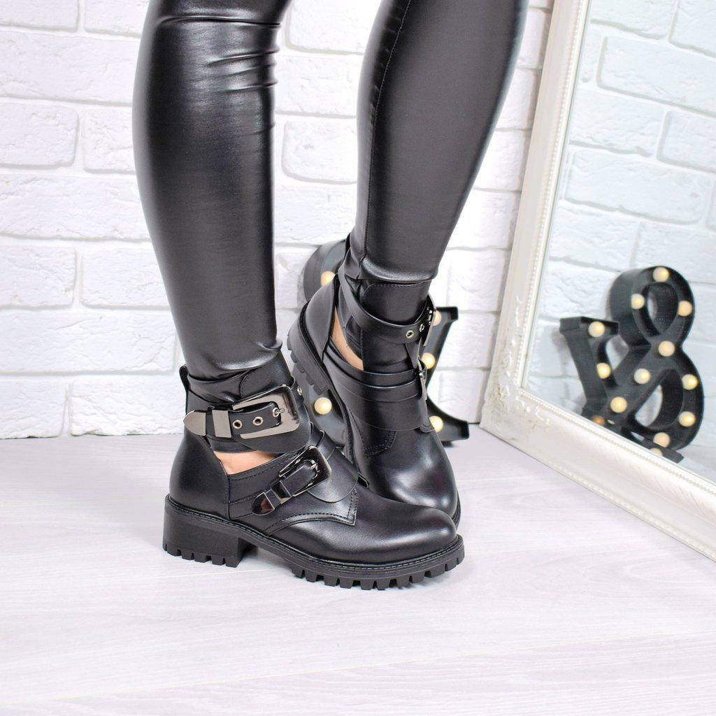 Женские чёрные ботинки на ремешках на низком ходу Balenciaga копия