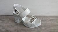 Женские брендовые кожаные босоножки с камушками, Обувь молодежная, фото 1