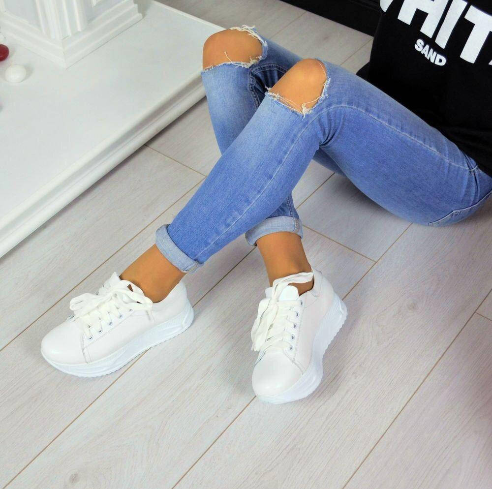 Женские натуральные замшевые кожаные серебряные чёрные белые кроссовки на толстой подошве на шнуровк