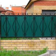 Забор из профильного листа