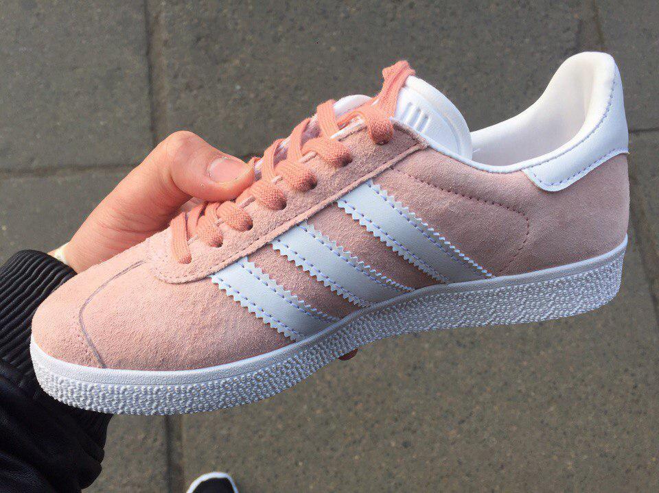 ... Adidas Gazelle Pale Pink  47e2fd8cdbbec