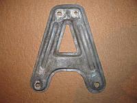 Б/у Кронштейн правый крепление передней подвески подрамника балки renault kangoo nissan kubistar 97-08г