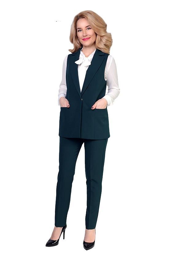 Стильный женский костюм (брюки и жилетка)