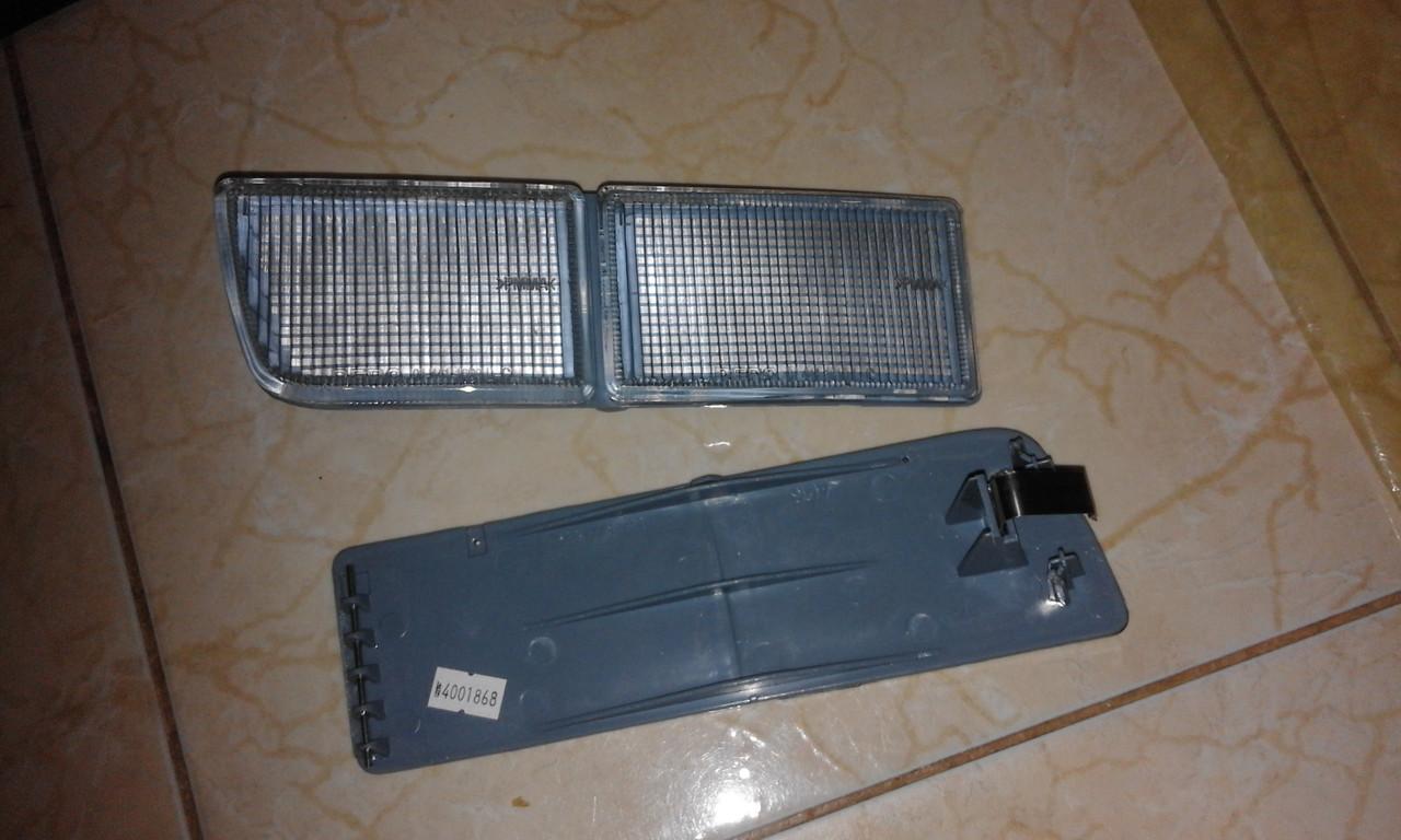 Отражатель правый,левый (облицовка, противотуманная фара) VW GOLF 3