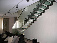 Монтаж лестниц из нержавеющей стали в Киеве