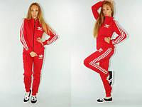 Женский спортивный костюм Adidas красного цвета