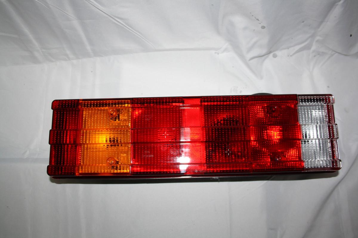 Задній ліхтар ребристий 7-ми секційний з разьемом ззаду