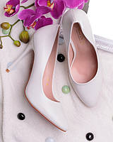 Женственные туфли на шпильке