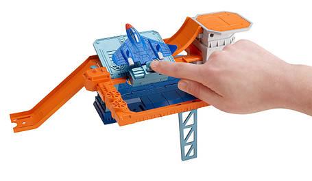Трек Хот Вилс Готов к игре Воздушная база Hot Wheels Sky-Base Blast Track Set, фото 2
