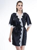 Черный халат с белой окантовкой