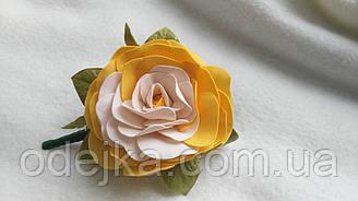 Заколка желтая роза ручной работы