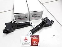 Форсунка омывателя фар Toyota Prado 150 RH 85208-60040