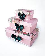 Прямоугольный подарочный комплект коробок ручной работы бледно-розового цвета с пионом