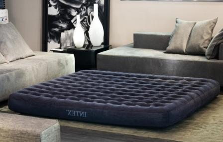 Надувная мебель, шезлонги, матрасы, бассейны